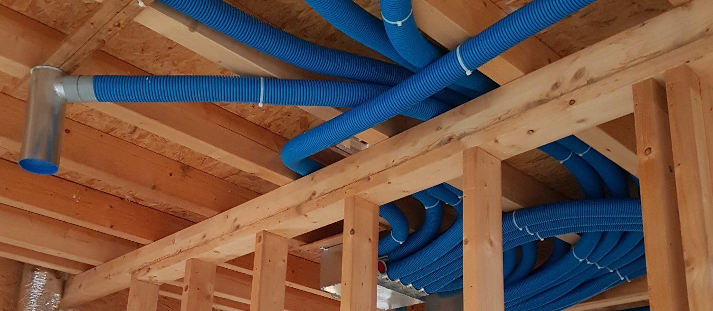 Instalace centralizovaného větrání Ventbox ve zděném domě a dřevostavbě. Rozdíl?